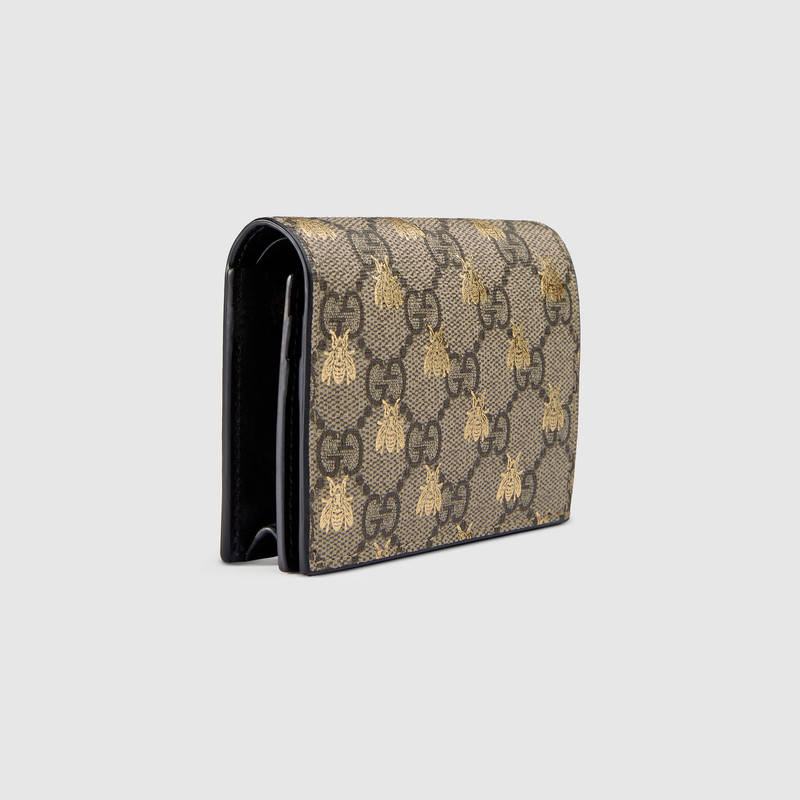 e0638083ea0 Gucci Gg Supreme Bees Card Case In Beige Ebony