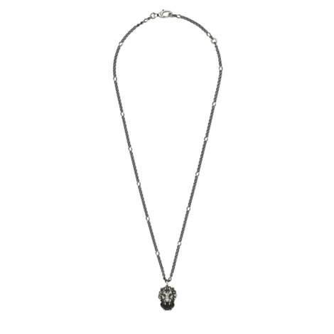 饰水晶和狮头项链