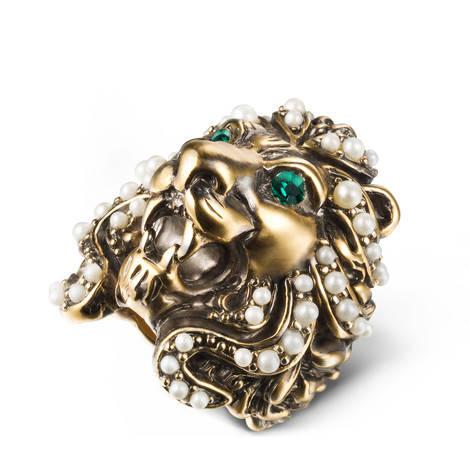 狮头戒指,饰以施华洛世奇水晶和玻璃珍珠