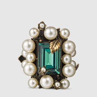 戒指,饰以施华洛世奇水晶和玻璃珍珠