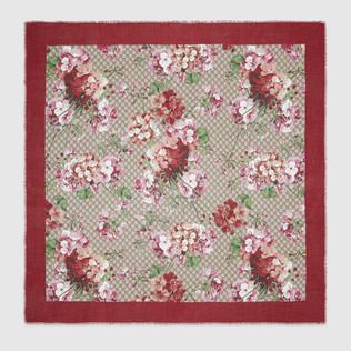 莫代尔真丝材质披肩配以 Blooms 印花