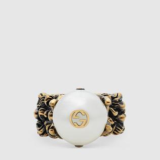 奶油色玻璃珍珠织纹戒指