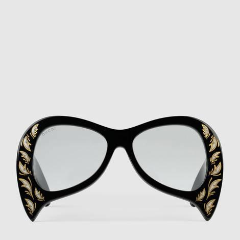 超大号太阳眼镜,配以珍珠母贝细节