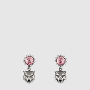 水晶铆钉耳环,配以虎头装饰
