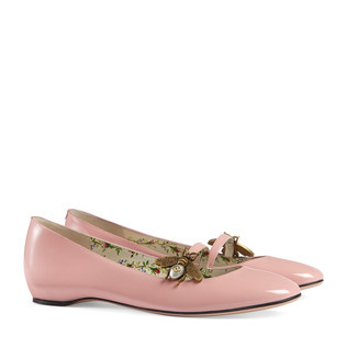 漆皮蜜蜂图案平底芭蕾舞鞋
