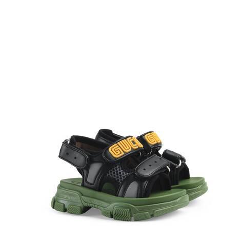 幼儿皮革和网纱凉鞋