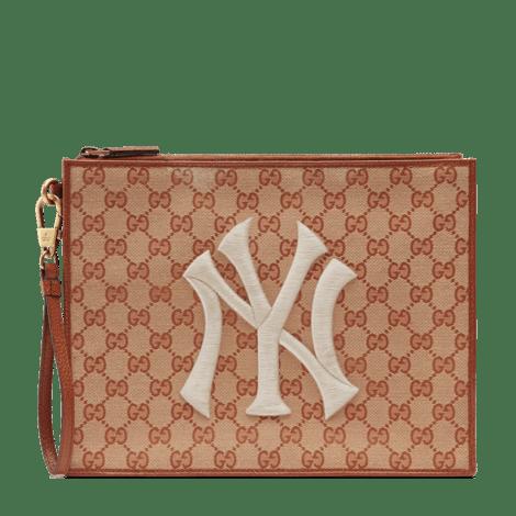 NY Yankees™贴饰经典GG帆布手拿包