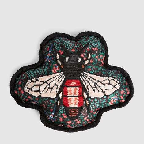 蜜蜂刺绣靠垫