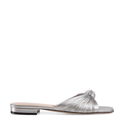 金属质感皮革凉鞋
