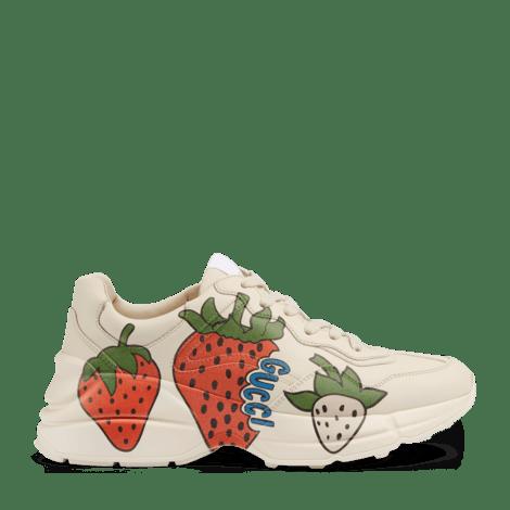 Rhyton 系列女士 Gucci 草莓印花运动鞋
