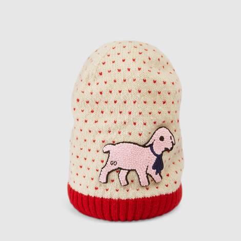 小羊贴饰饰心形羊毛帽子