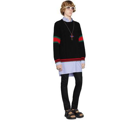 绞花编织毛衣