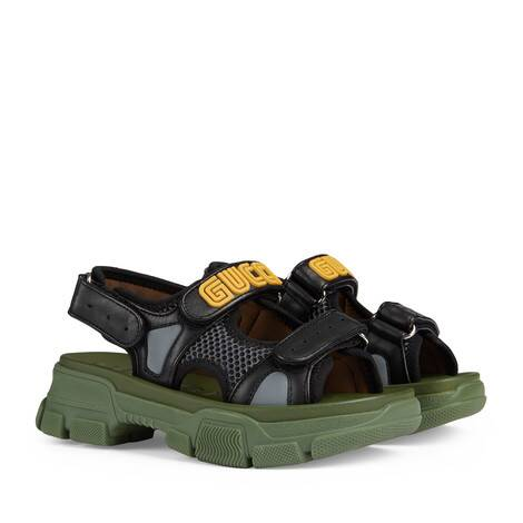 儿童皮革和网纱凉鞋