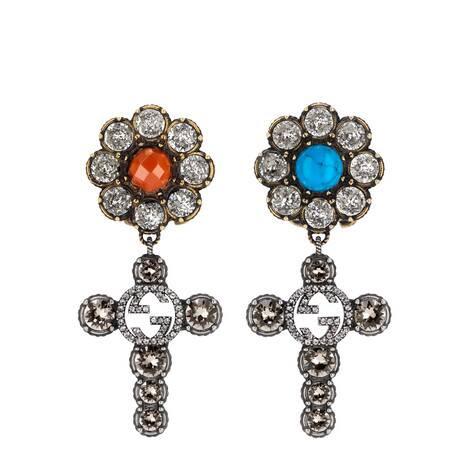 水晶十字架和花朵耳环